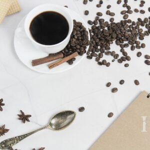 Zdjęcie styliaowane - kompozycja z kawą w roli głównej 6