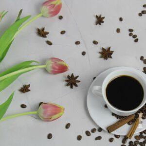 Zdjęcie styliaowane - kompozycja z kawą w roli głównej 4