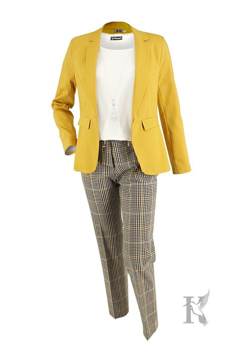 Packshot na niewidzialnym manekinie – zestaw odzieżowy damski